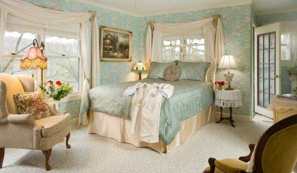 Monet Room- Eureka Springs Bed and Breakfast
