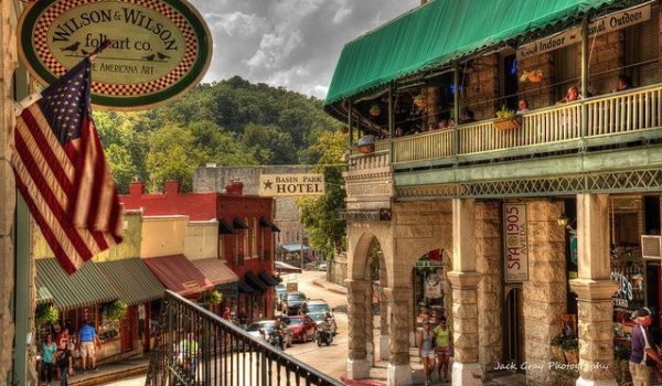 Discover the Eureka Springs Historic District