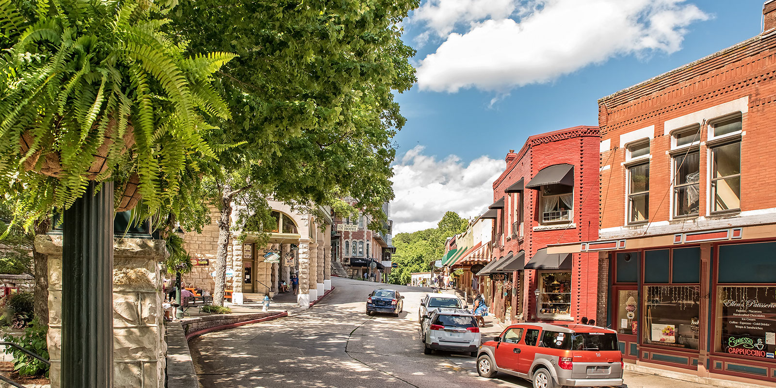 What Should You Do in Eureka Springs This Summer?