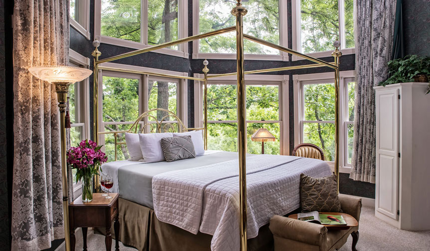 The Most romantic Eureka Springs Lodging for your getaway