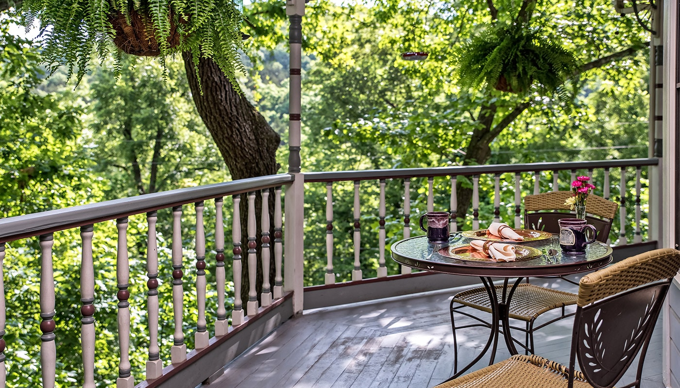 The Best Eureka Springs Bed and Breakfast For Your Summer Vacation